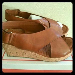 Pierre Dumas 10 wedge sandal new in box